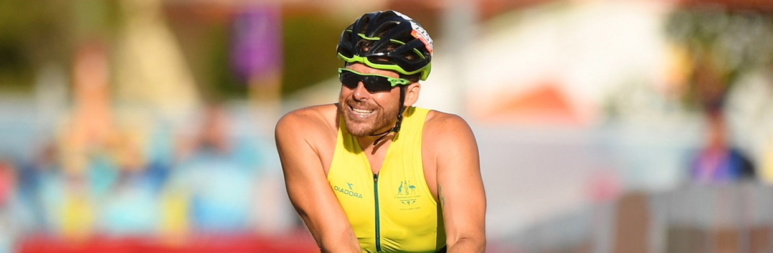 Kurt Fearnley crosses the marathon finishing line